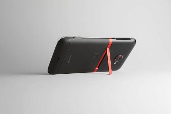 HTC-EVO-4G-LTE-back-kickstand