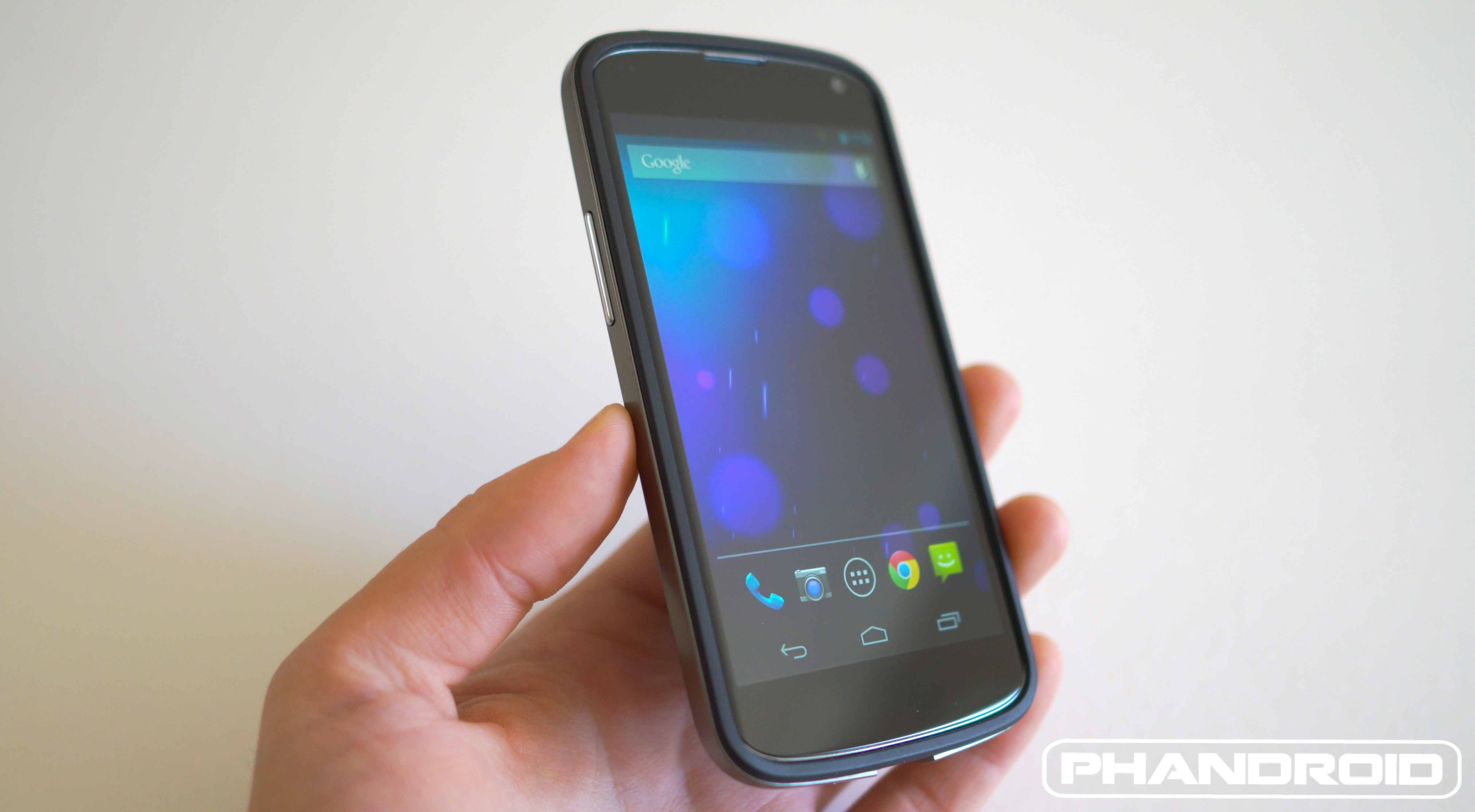 new product 8651f 73df3 Hands-on: Official Nexus 4 Bumper Case [VIDEO]