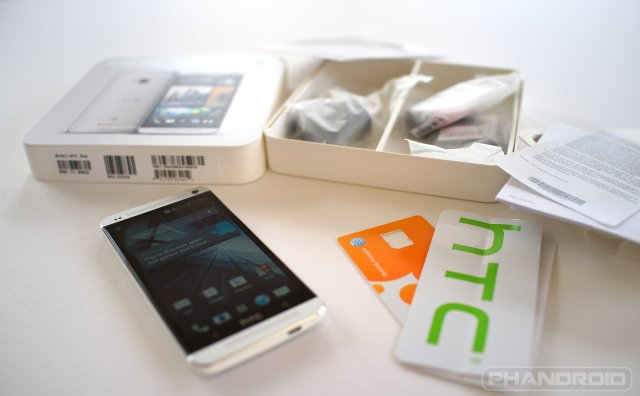 HTC One unboxed