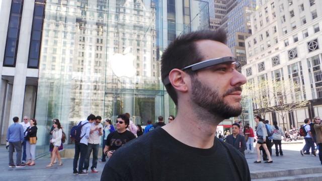 Google Glass Apple Store