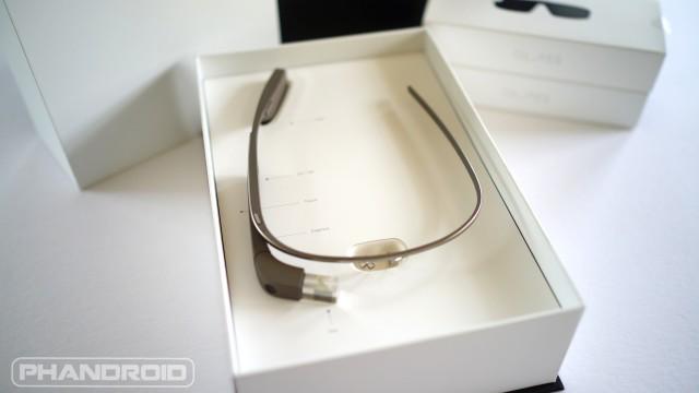 Google Glass Explorer Edition unboxing DSC00031