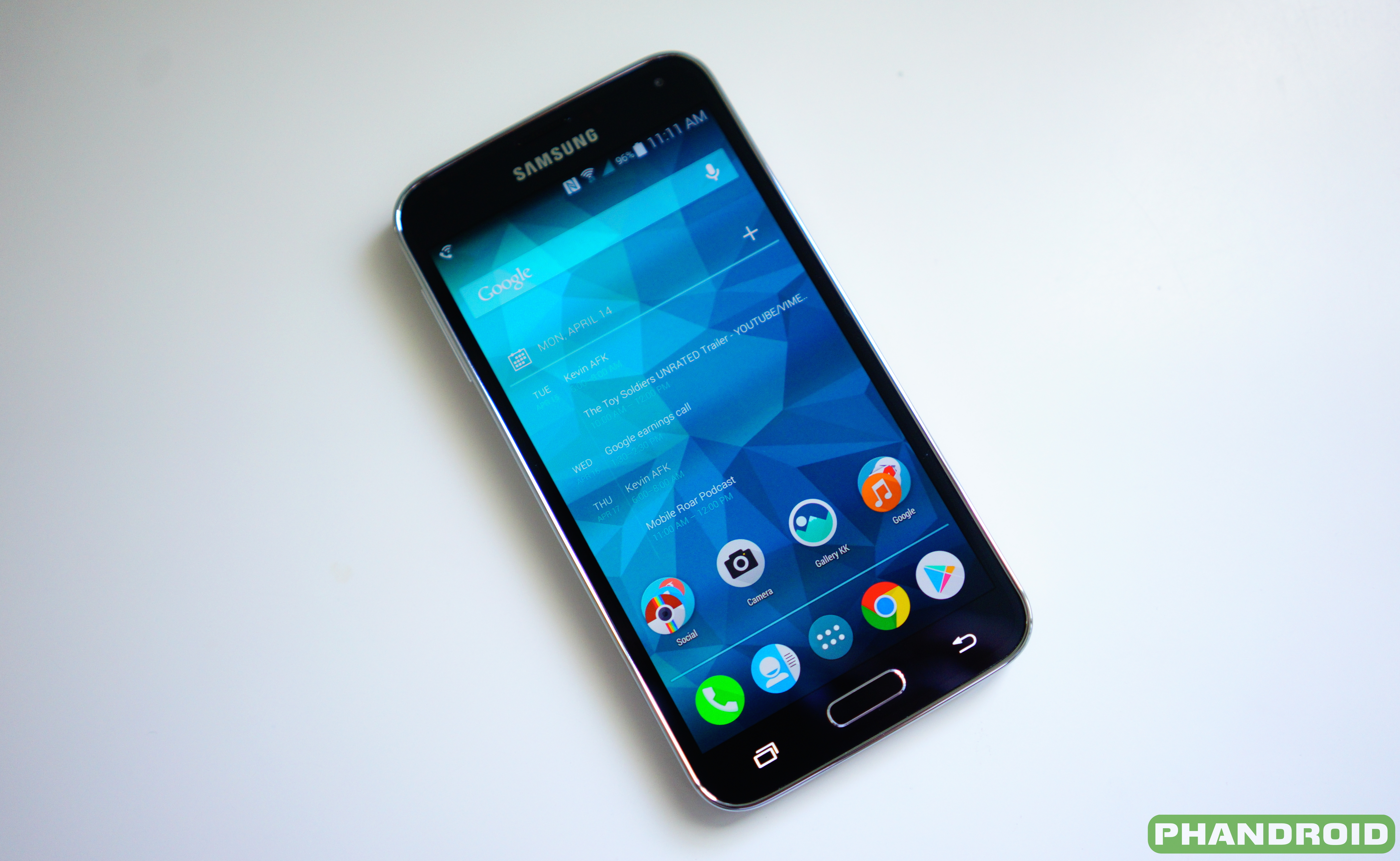 Samsung preps retail stores for Lollipop update rolling out