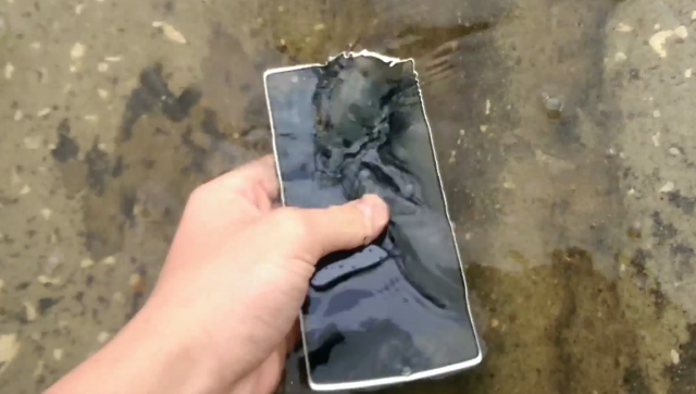 OnePlus One water dunk test 1