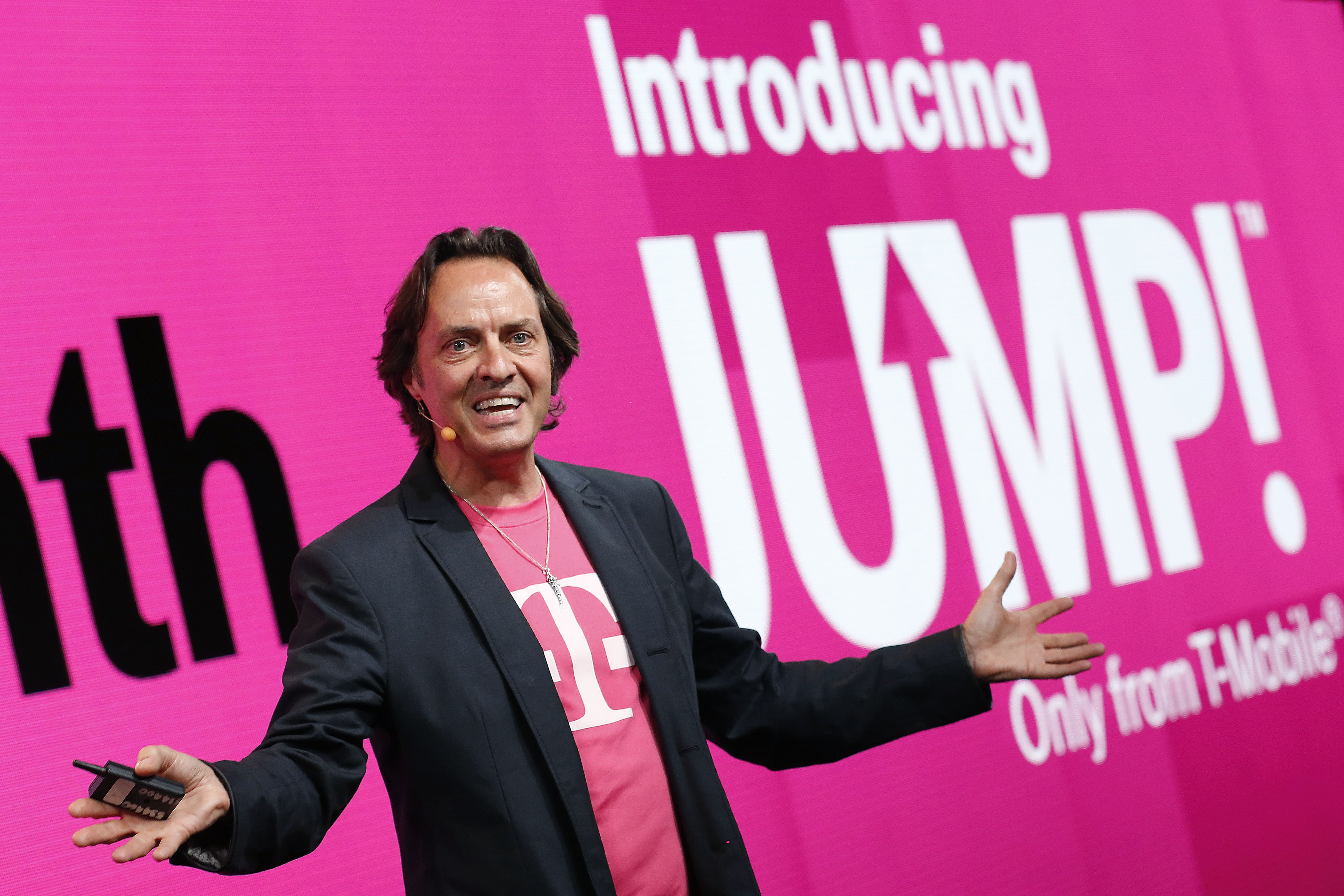 T-Mobile Tuesday struggles again, extends gifts through Friday