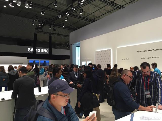 Galaxy-S6-vs-iPhone6-Photo1-LongText-IPHONEVERSION