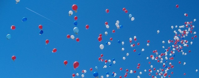 htc-vive-balloons