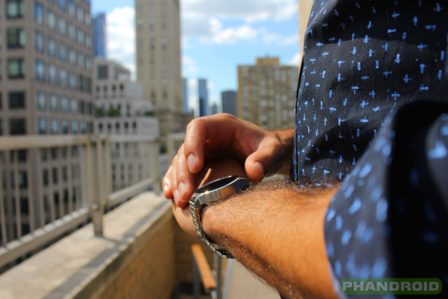 Phandroid-Huawei-Watch-Outdoors-NYC-Buildings