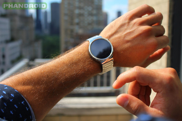 Phandroid-Huawei-Watch-Outside-NYC-Off-BlackFace