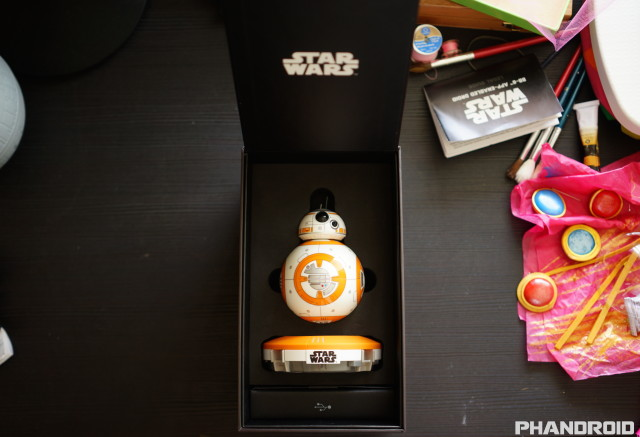 Star Wars BB-8 App Enabled Droid by Sphero unboxing DSC09939