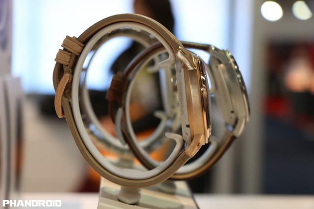 fossil-watch-side