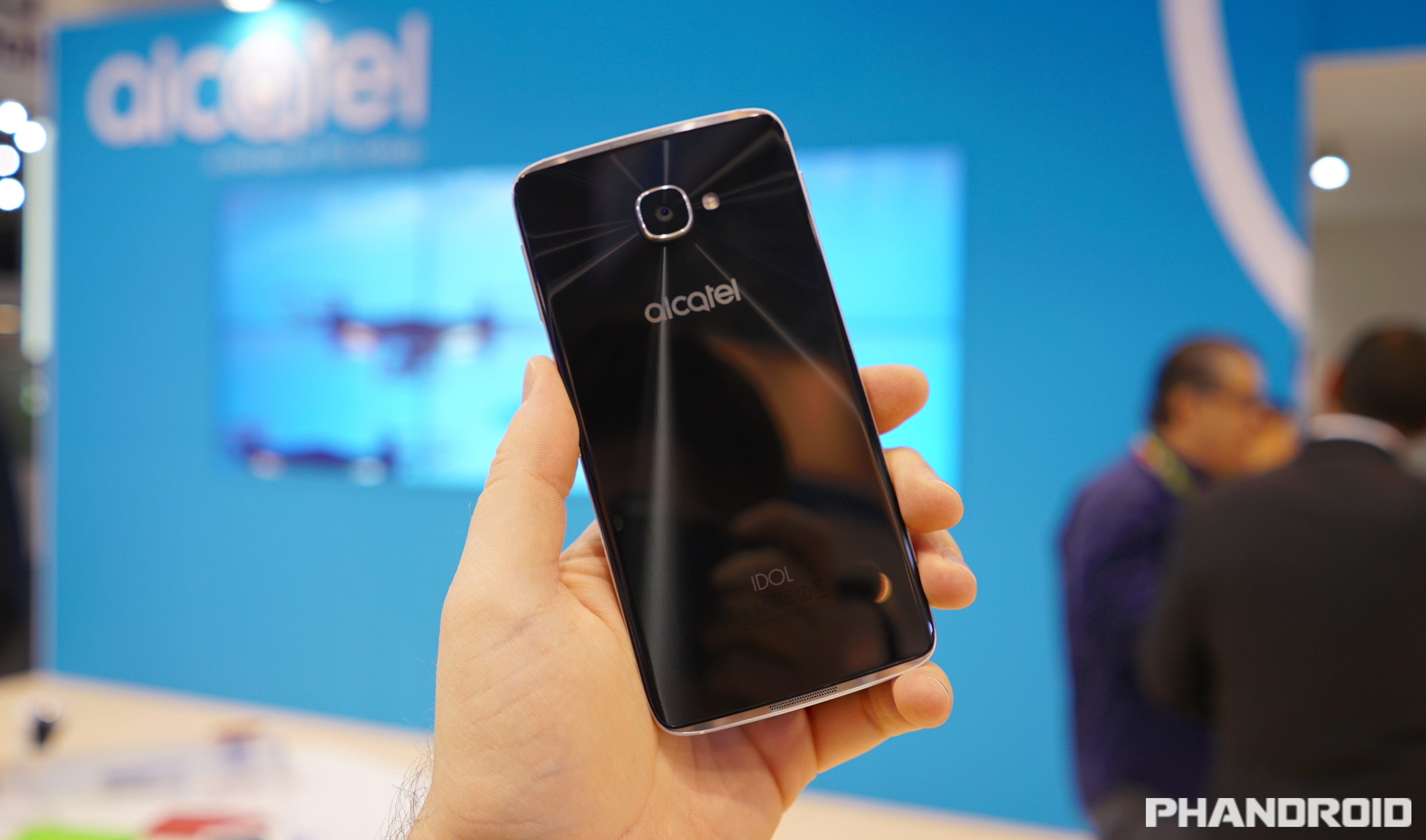 The Alcatel Idol 4S wants to be this year's best mid-range