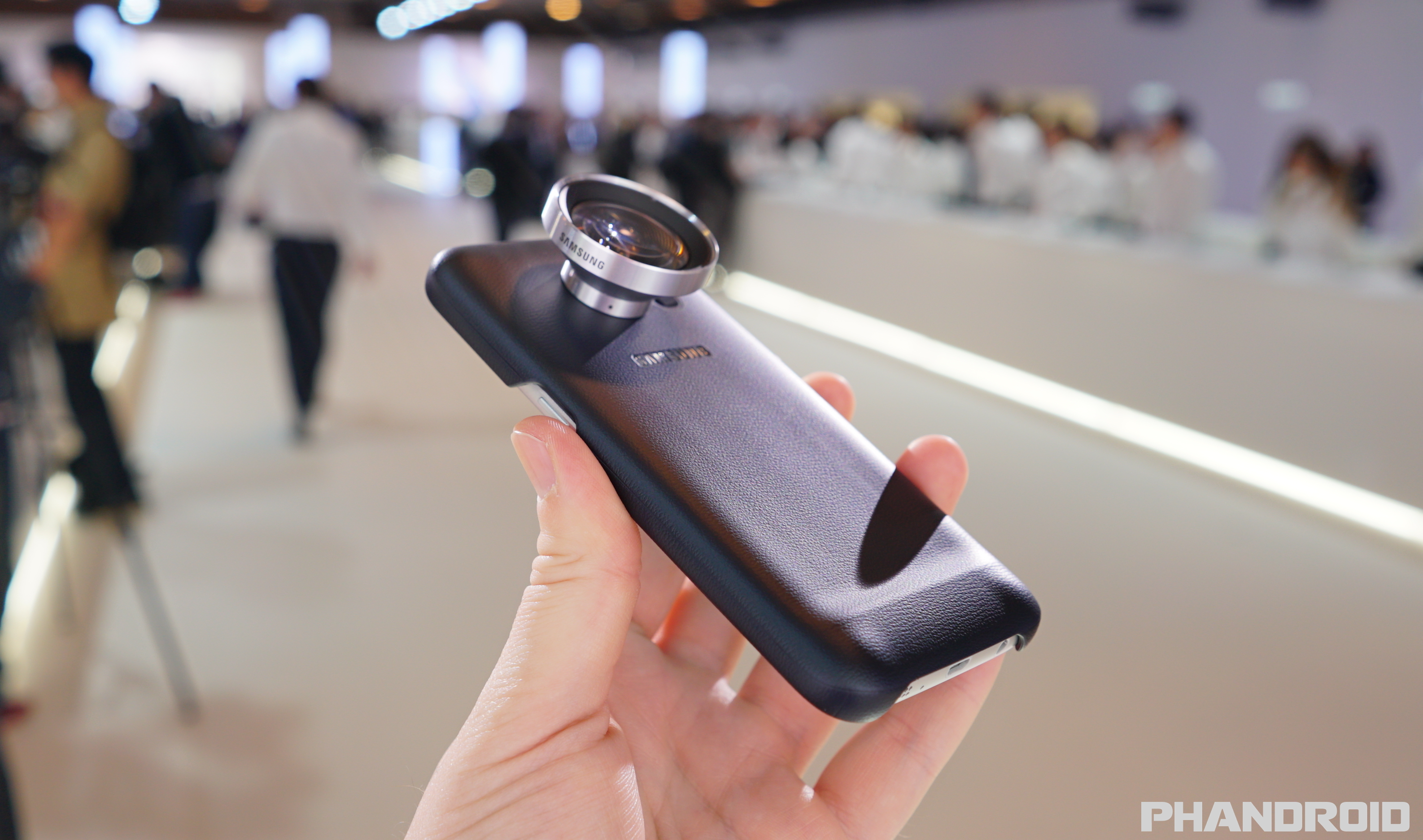 cheaper f2787 1c753 The Samsung Lens Cover allows you to swap out different camera ...