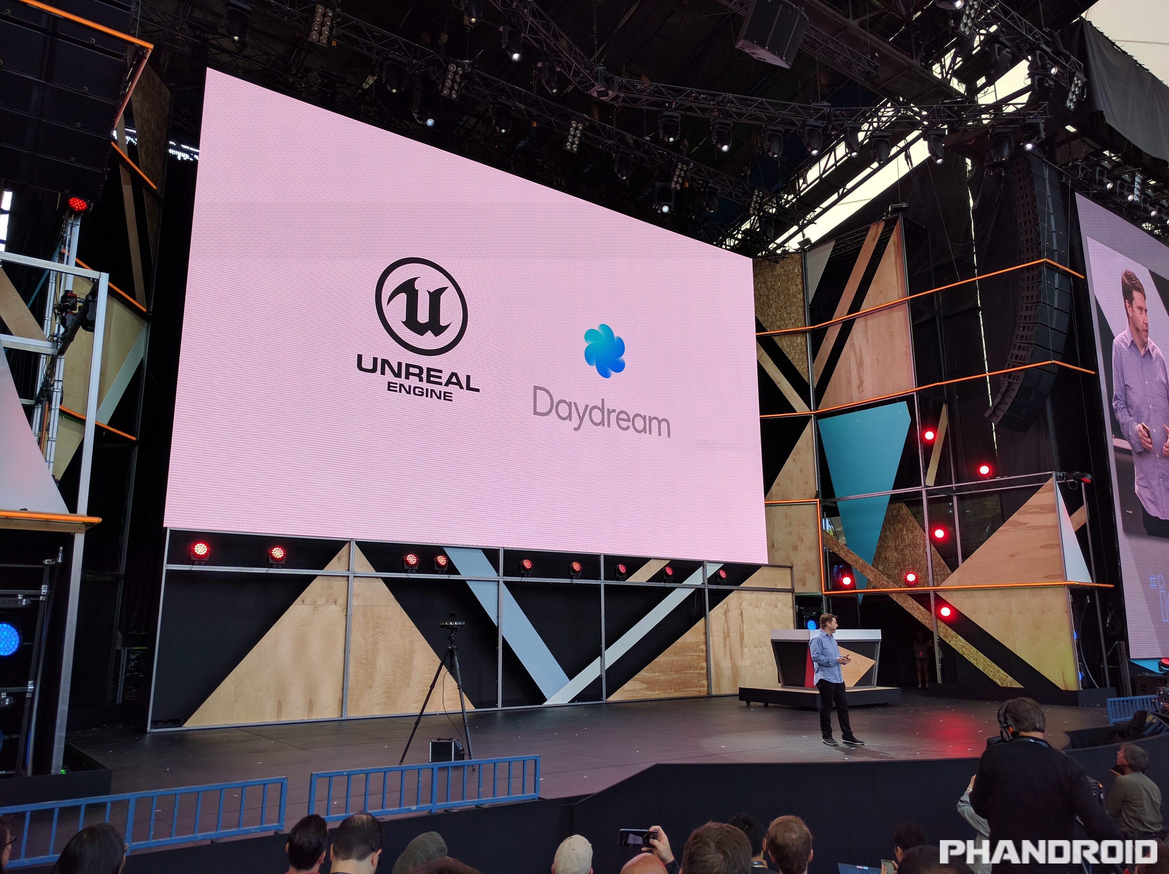Unreal Engine and Unity will support Daydream VR at launch