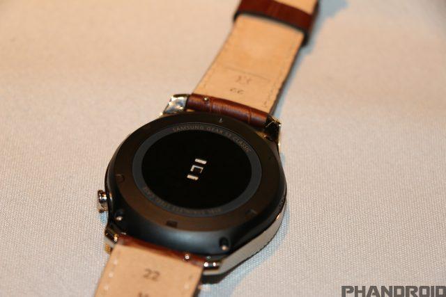 First look: Samsung Gear S3 Smartwatch [VIDEO]