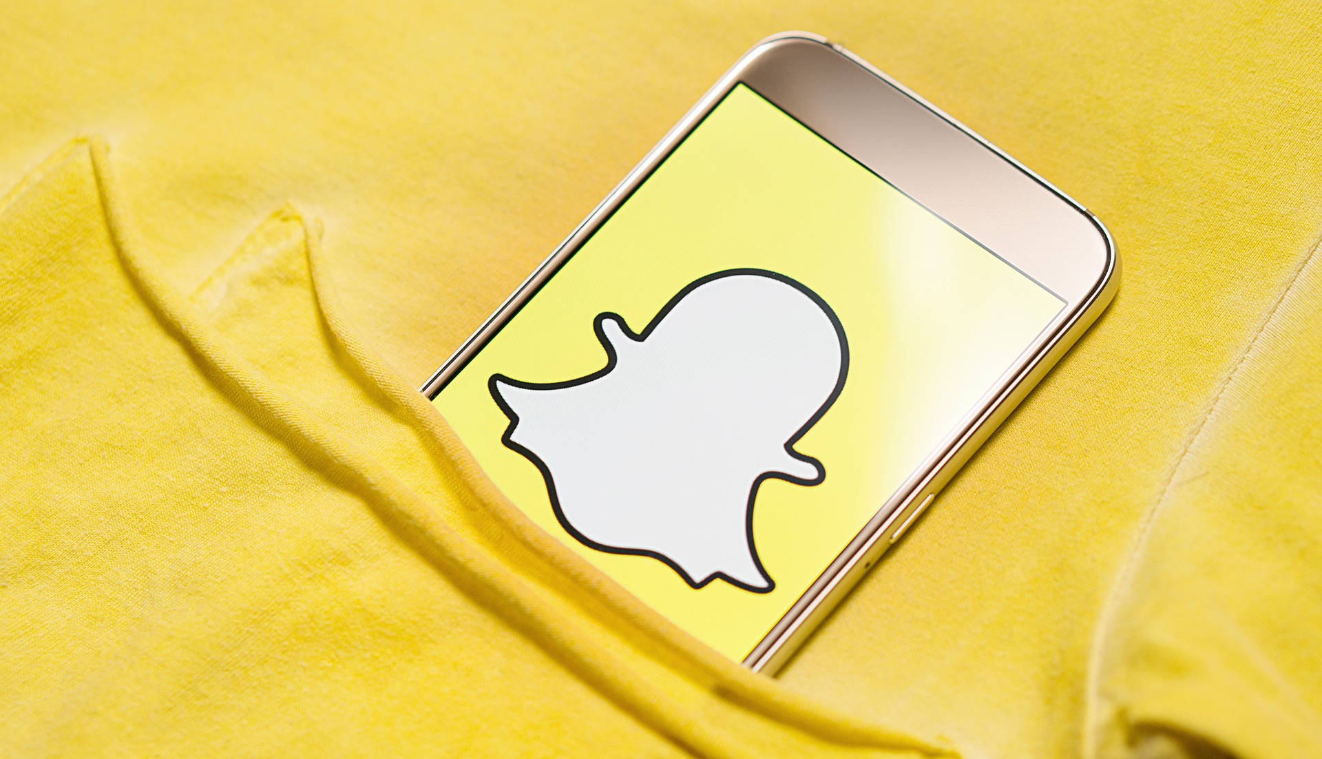 Snapchat is forcing people to ditch their profile selfies for