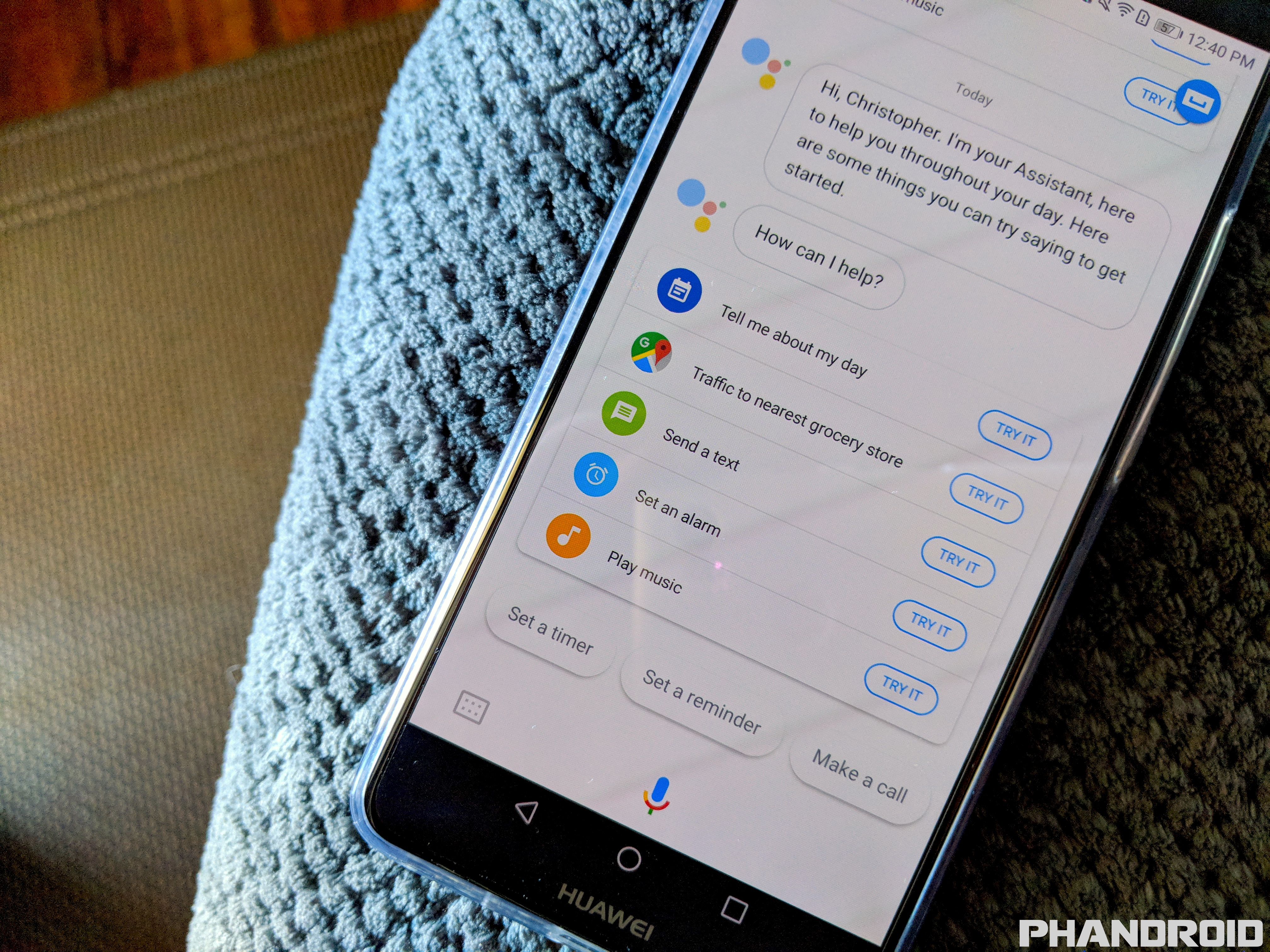 Google Assistant's can finally ready messages from WhatsApp