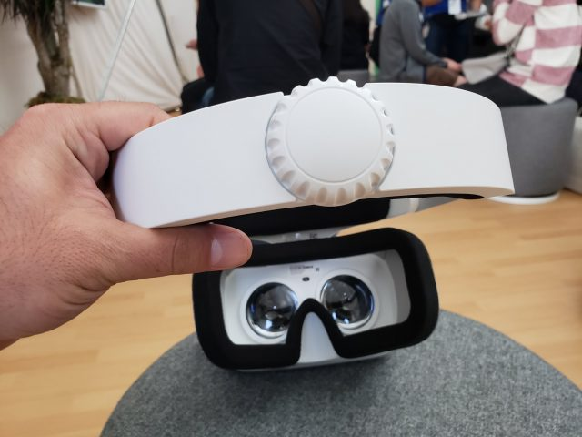Hands On: Lenovo Mirage Solo VR Headset