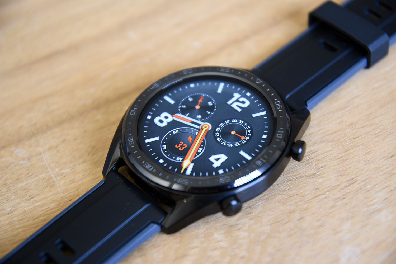 QnA VBage Huawei Watch GT available for pre-order in the US, ships next week