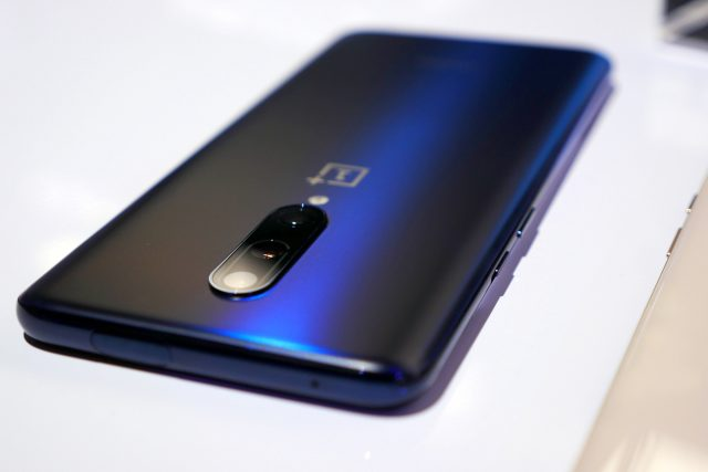 OnPlus 7 and 7 Pro now getting Android 10