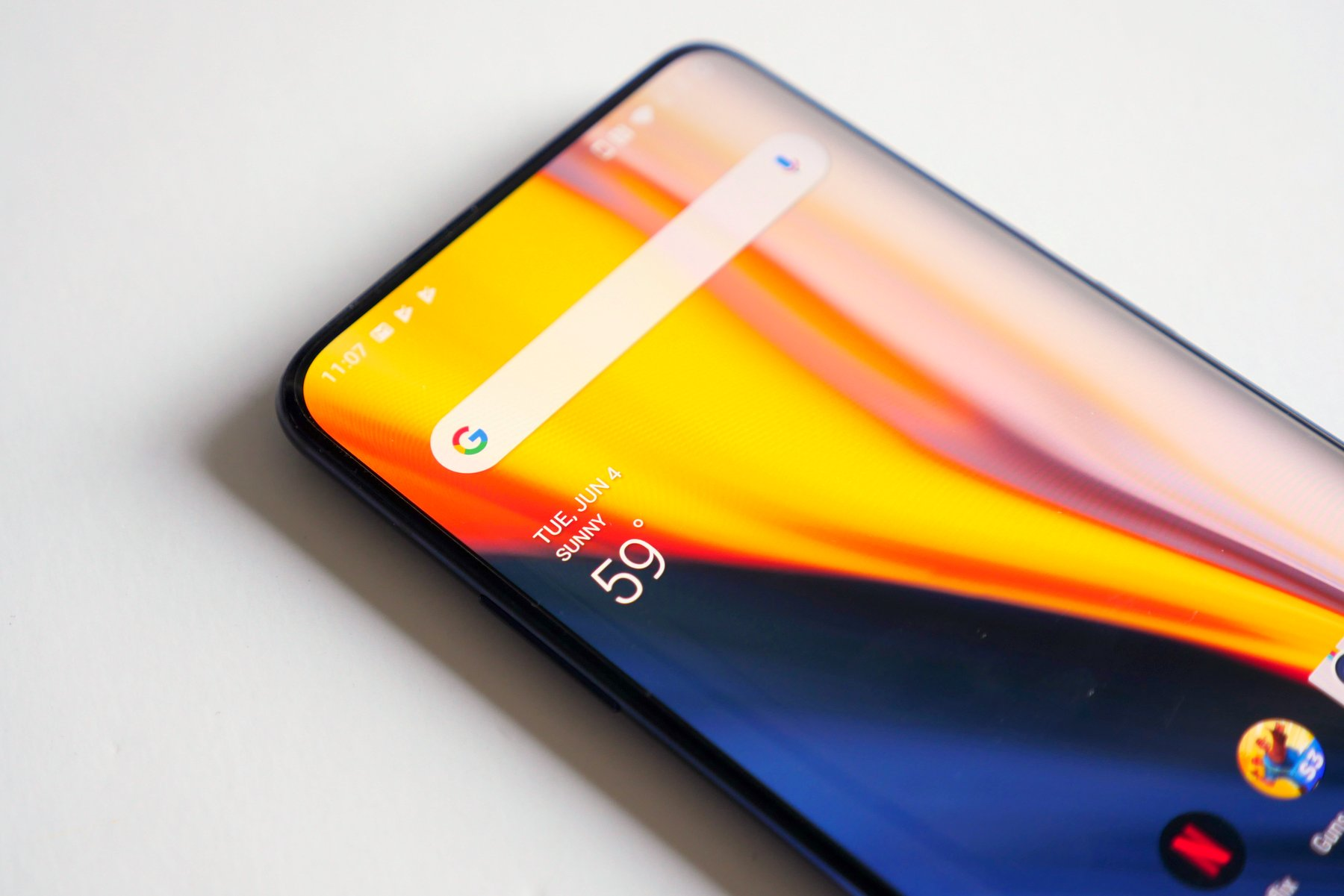 The OnePlus 7 Pro's gorgeous display is its best and worst