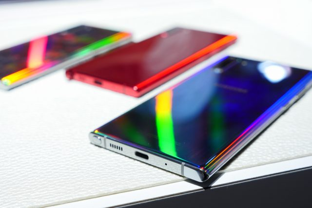 Samsung could blur the lines between its Galaxy S and Galaxy Note smartphones next year