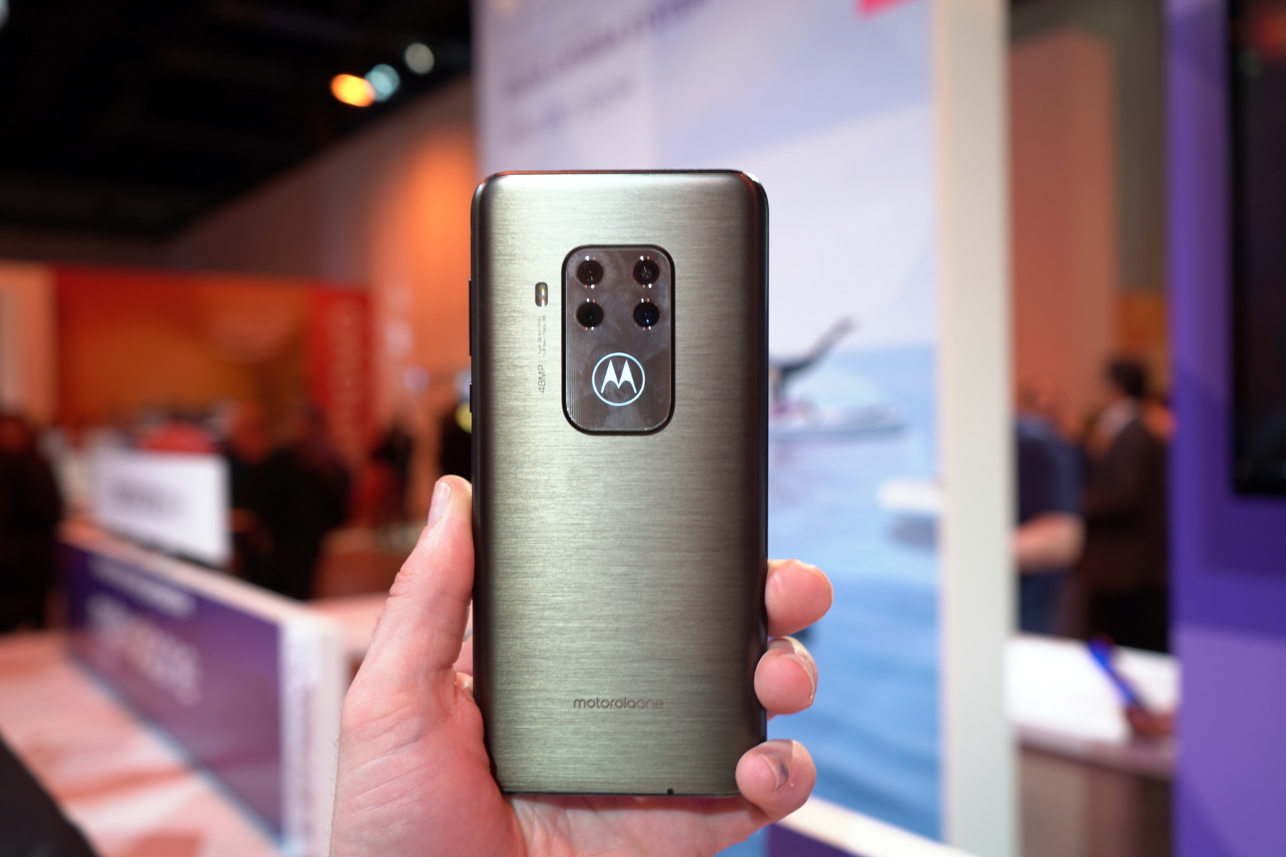Motorola One Zoom hands-on: shooting above its price