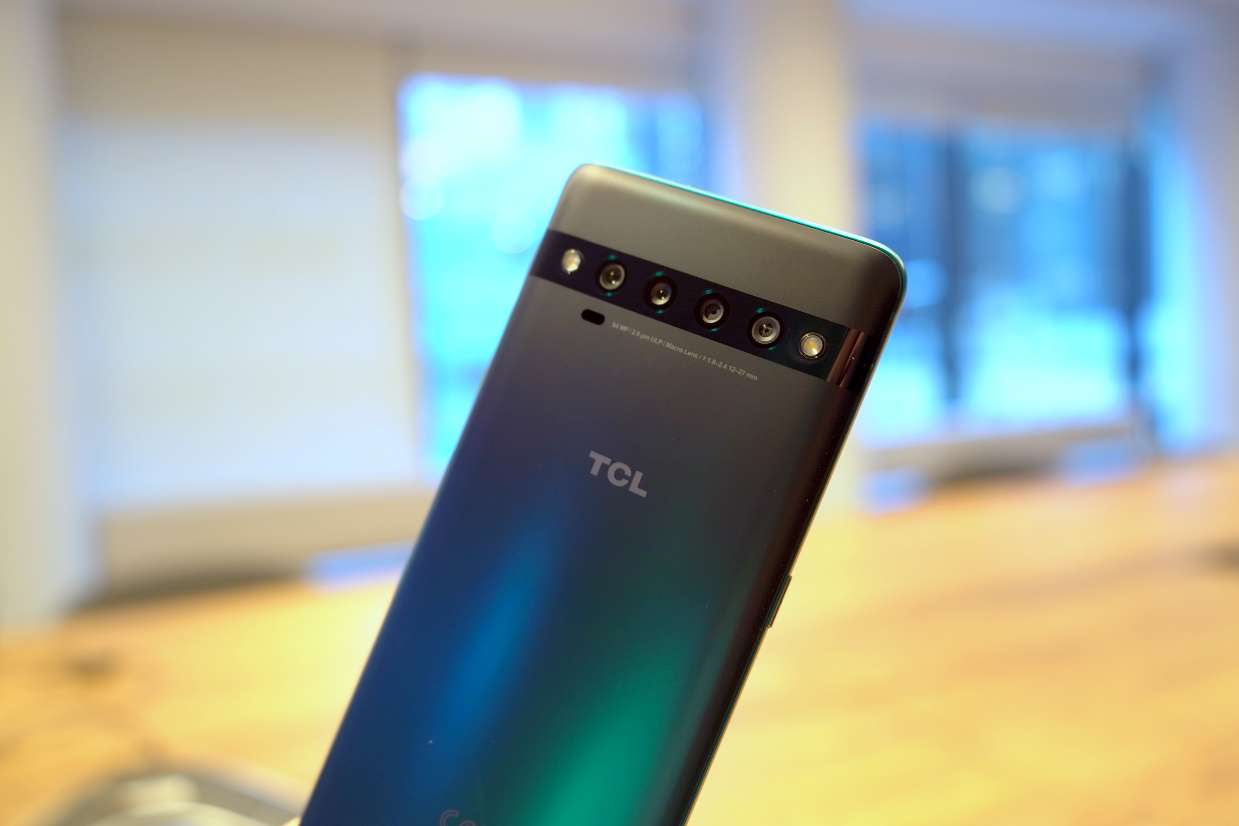 TCL's new 10 Series delivers a $430 5G smartphone, TCL's first curved AMOLED display