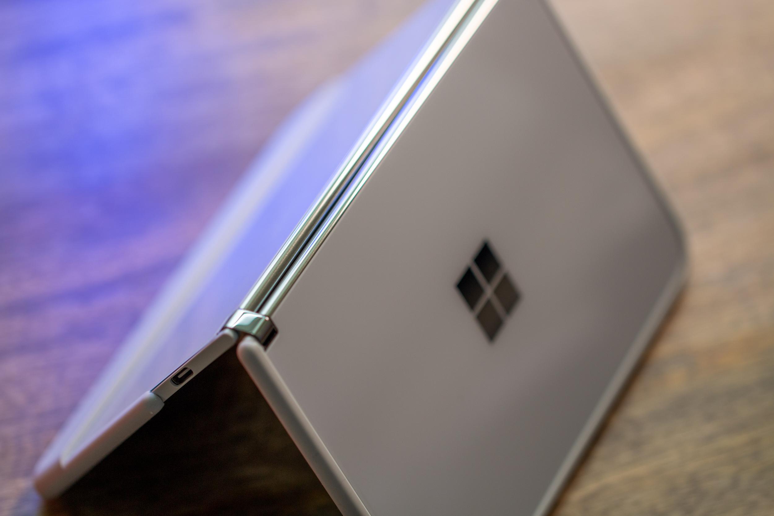 Microsoft Surface Duo 2 7632
