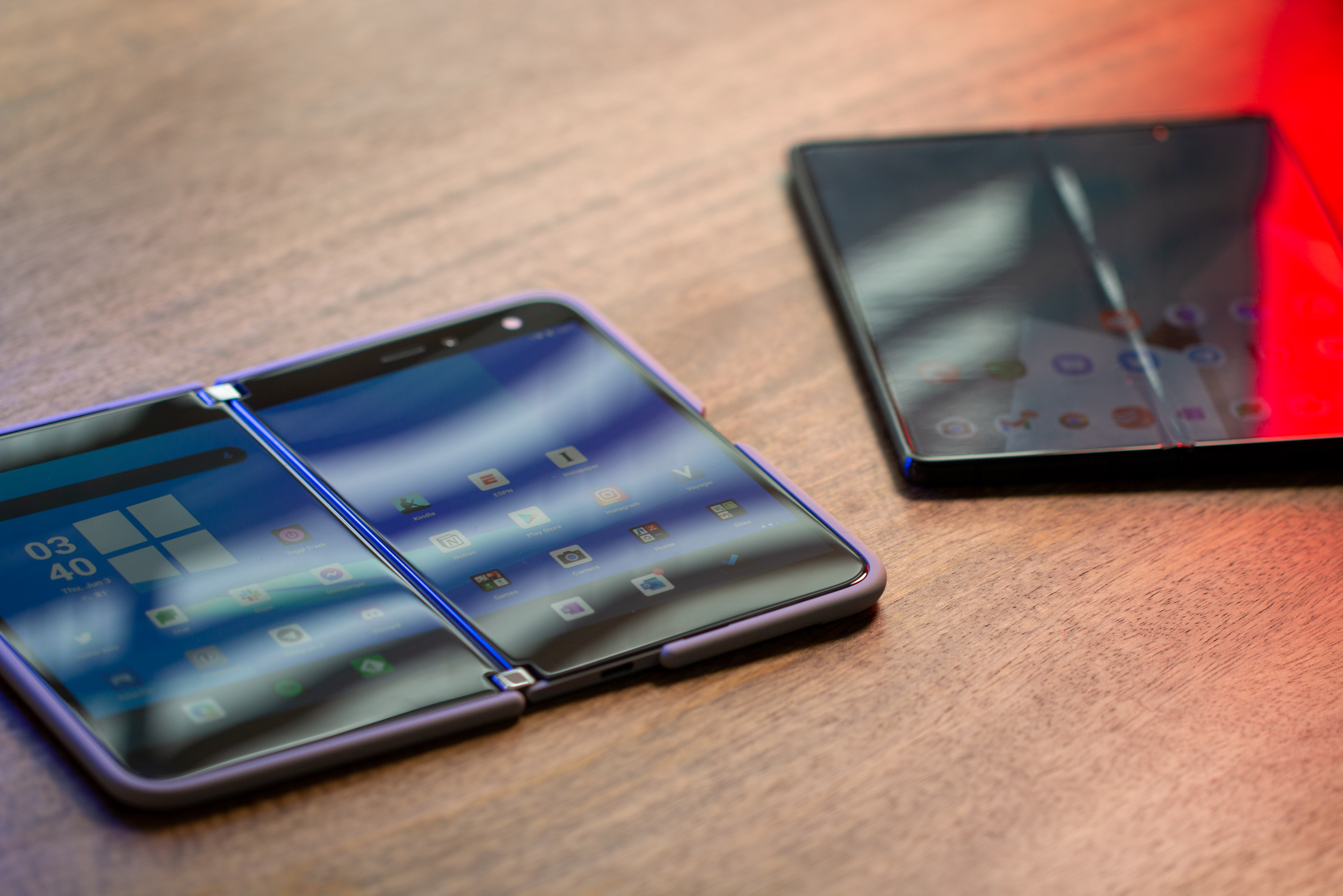 Microsoft Surface Duo 2 7661